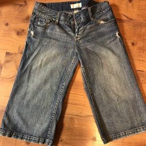 Maurices distressed wide leg capri pants!